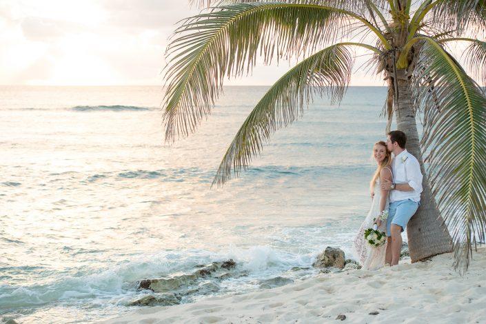 Vikki & Fred - Surfers beach Wedding